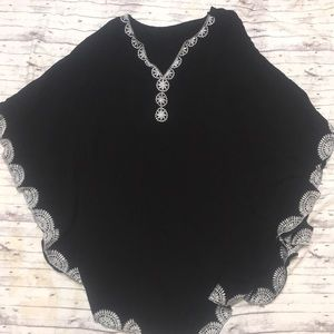 Swimsuit Coverup Black and White details